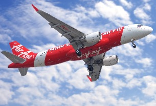 AirAsia's Fernandes looking at setting up airline in China