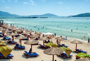 China's Sanya city shuts down all tourist sites to prevent spread of virus outbreak