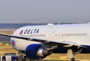 Delta restores two China flights as travel demand inches up