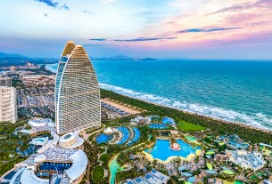 Hainan to build international tourism center in 5 years