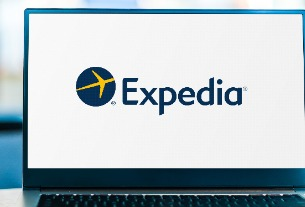 Expedia posts a net loss of $581 million in Q1, with leisure travel leading the recovery